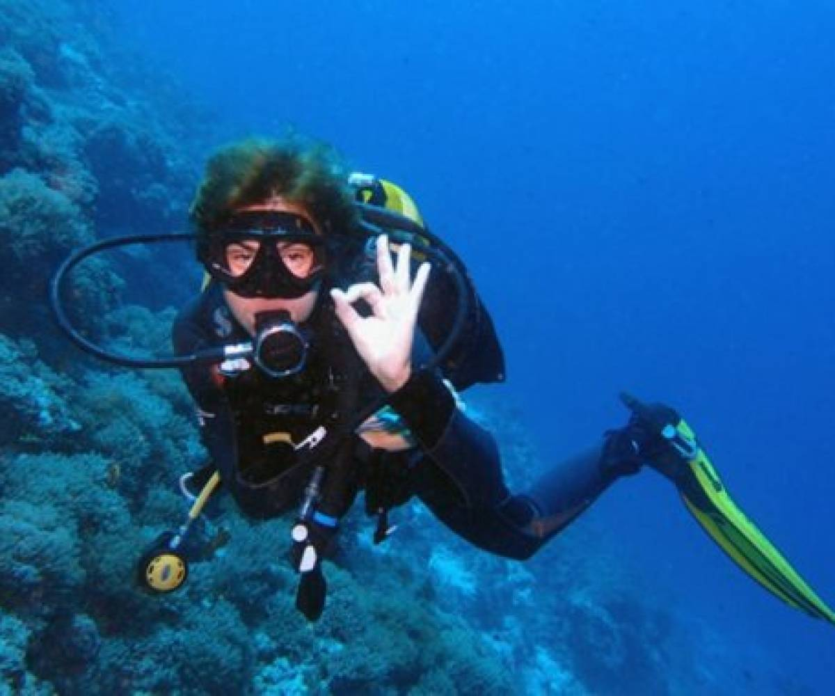 Diving Blue Lagoon